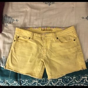 Billabong low rise size 5 shorts in yellow